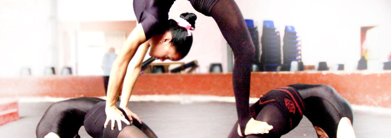 Cuba Circus lessons acrobatics